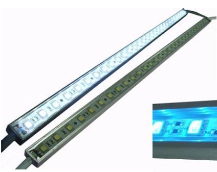 S00082-RGB Serie: Tira rígida Huang (RGB, 0, 12 VDC, 14,4W/metro, CONECTOR, 120º, 60/metro, SMD)